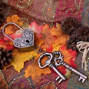 Other - Heart shaped padlock and keys hanging ornament